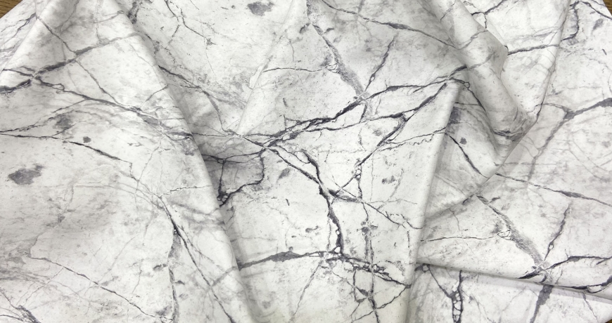 Metamorfosi: pelle e marmo